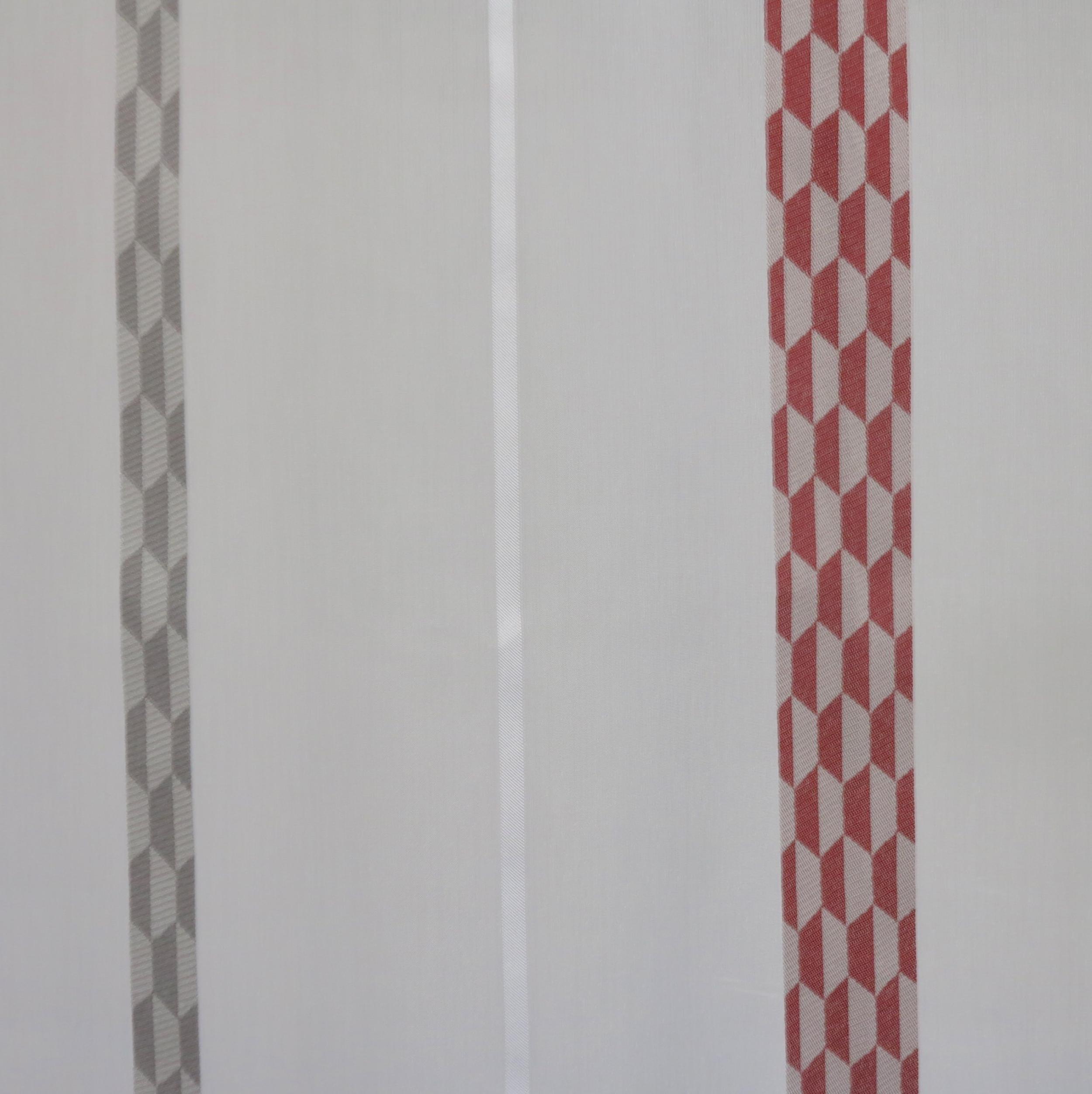 voilage sur mesure rouge et gris jusqu 39 290 cm de haut. Black Bedroom Furniture Sets. Home Design Ideas